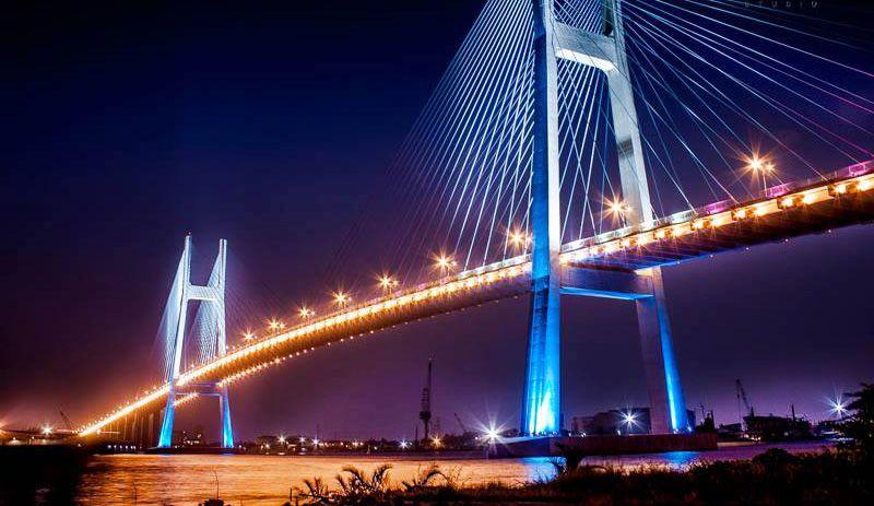 Cầu Phú Mỹ về đêm